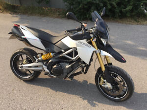 2011 Aprilia Dorsoduro 1200 / Excellent / Extras / Powerful