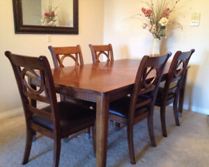 Moving Sale:Extension Dinning Table (4 or 6 chairs), Solid Wood