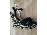 Ladies size 6 shoes £3