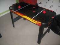 Mains Powered Air Hockey Table 4ft x 2ft with electric scoring