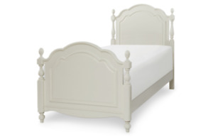 Twin Low Poster Bed In Antique Linen White ****New in Box****