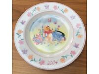 Disney Store Exclusive Winnie the Pooh Christmas 2004 Plate