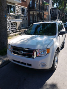***Ford Escape 2010. 4x4 en excellente condition***