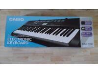 Casio Electric Keyboard CLK-1200