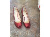 New Clarks red peep toe heels size 5.5