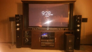 Home stereo w/ surround sound