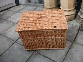 Very Large Wicker Basket / Laundry Hamper / Trunk