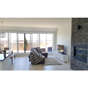 PENTHOUSE 4 1/2 - BROSSARD DIX30 - GRANDE TERRASSE - 2 CHAMBRES