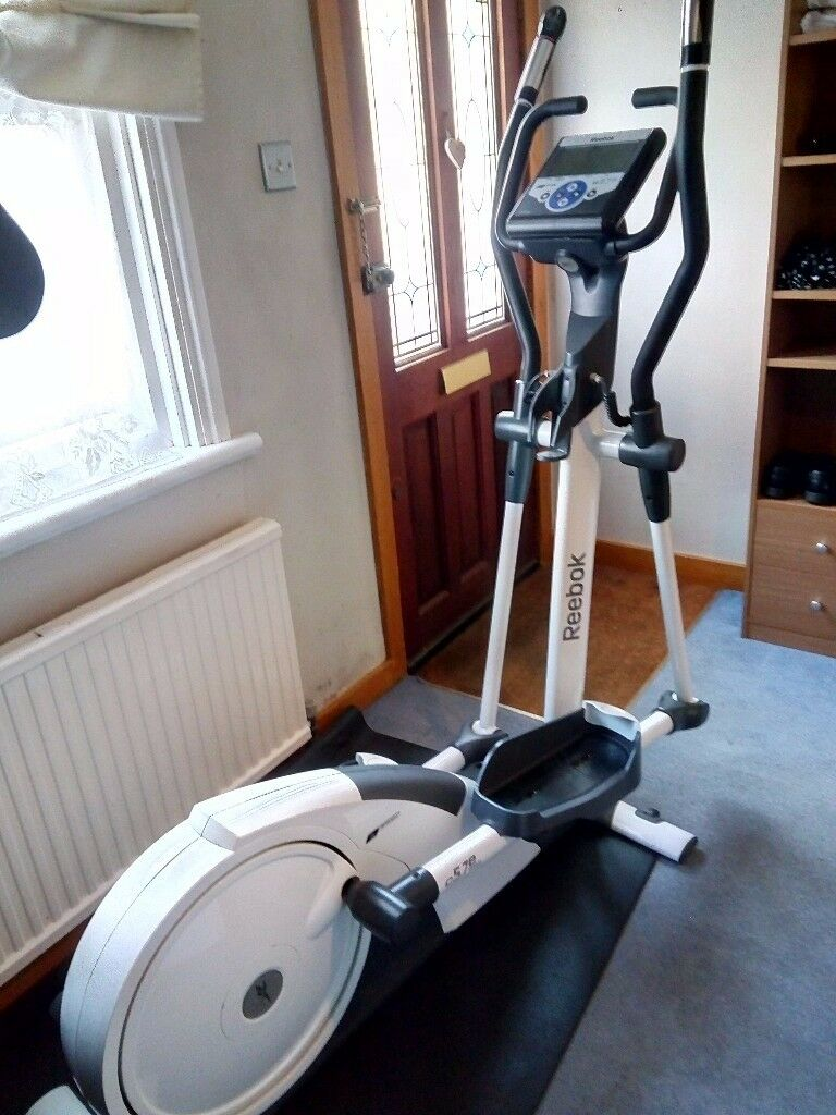 """Cross Trainer Reebok c5.7e ellipticalin Epsom, SurreyGumtree - Cross Trainer Reebok c5.7e elliptical Solid and sturdy top of the range cross trainer Almost new!!! """"Can be delivered for a small fee"""""""