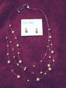 Richelieu necklace set
