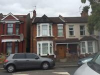 A LOVELY 5 BED, 3 BATHROOM IN WALTHAMSTOW CENTRAL VICTORIA LINE ZONE 3