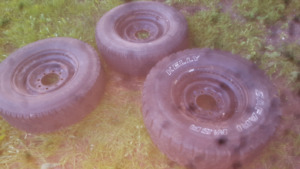 Lots of 8 bolt chevy dodge rims 16-16.5 and slip rims