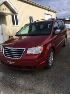 2010 Chrysler Town & Country Touring Familiale