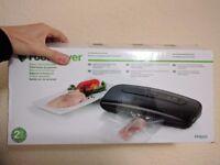 FoodSaver Vacuum Sealing System - FFS001