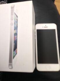 iPhone 5 16gb white BOXED Unlocked