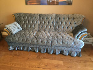 COUCH LOVESEAT CHAIR & COFFEE TABLE
