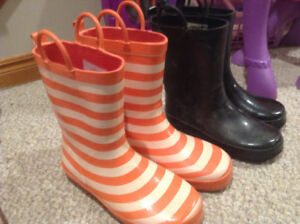 Rain boots youth sizes 1 and 3