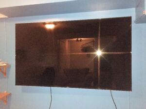 """75"""" Samsung Smart TV , with TV Wall Mount"""