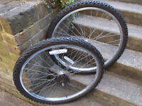 complete 26 inch mountain bike wheel set , 7 speed rear