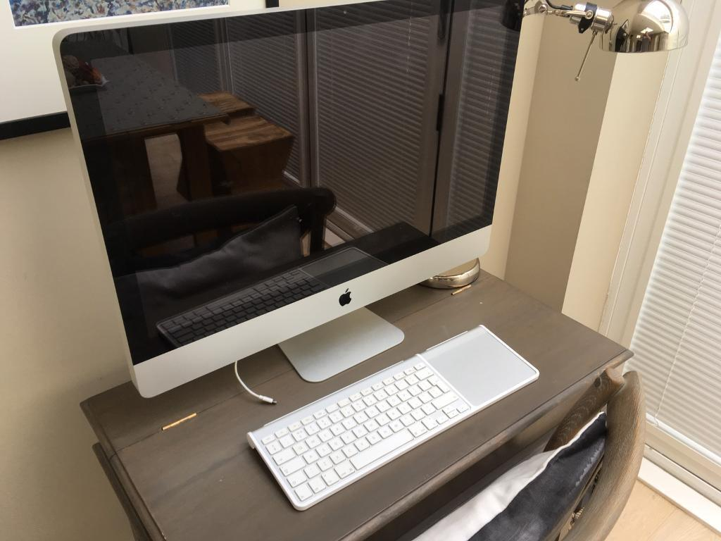 "iMac 27"" 2011 2.7ghz intel core i5 16gb perfect conditionin EdinburghGumtree - For sale from a smoke free home, perfect condition with keyboard trackpad and mouse. First to see will buy"