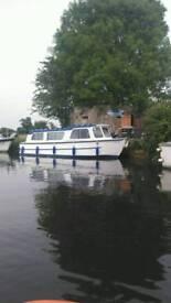 Four birth river cruiser
