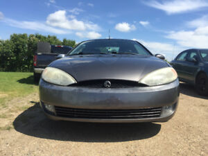 REDUCED PRICE: 2001 Mercury Cougar Hatchback Coupe (2 door)