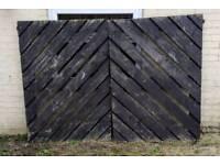 Large garden / drive gates