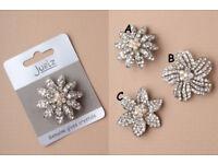Silver coloured crystal flower brooch. In 3 styles - JTY213