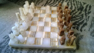 ONYX / MARBLE CHESS SET