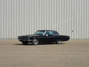 UNRESERVED PUBLIC AUCTION - 1966 FORD THUNDERBIRD