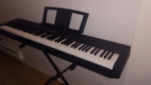 Clavier/keyboard piano Yamaha P35 ( location/rent)