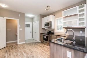 3 bedrooms 3-½ bathrooms close to Nait and down town