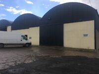 1800sq ft insulated store/ workshop unit to rent, on a large secure yard beside main road