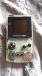 Selling Colour Gameboy and Donkey Kong 2 Game