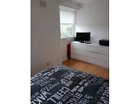 Large bedroom to rent