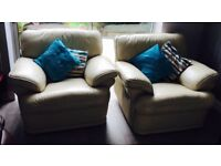 3 piece leather sofa for sale!! 1x 3 seater, 2x single seater/ manual recliner!!Complete leather
