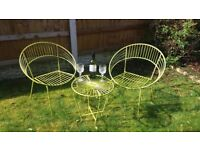 RETRO GARDEN SET OF 2 CHAIRS AND TABLE IN GREEN METAL