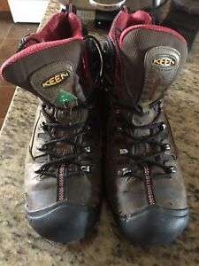 Size 9 Keen work boots and shoes for sale