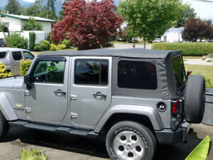 Jeep Wrangler Unlimited - soft top