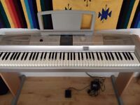 yamaha dgx 505. really good condition, fully working, kept covered and hardly played