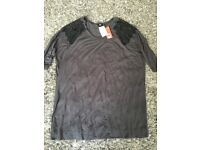 Ladies Top Size Small brand new