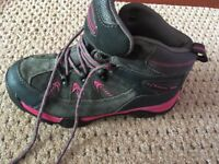 girls hiking boots from Mountainlife
