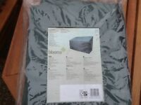 BLOOMA GARDEN BENCH COVER - NEVER USED