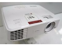 Benq MW529 3D Desktop projector and remote controlled projector screen