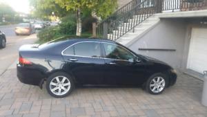 Black Acura TSX 2004