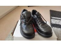 Ladies steel toecap black trainer style shoes .Health and Safety pass .