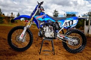 LOOKING FOR : Dirt Bikes under 1700$