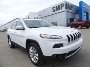 2016 Jeep Cherokee Limited 3.2L V6 - Leather Seats, Sunroof, Nav