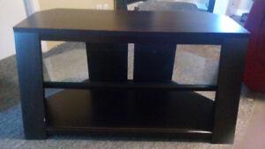 URGENT /  2 meubles TV et 2 lampes