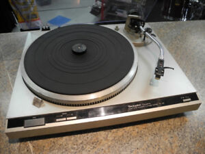 Technics SL-Q2 Direct Drive Automatic Turntable